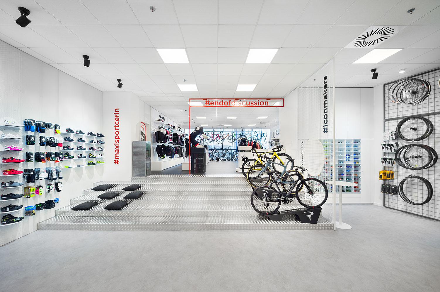 Maxisport Cerin, Retail interior design