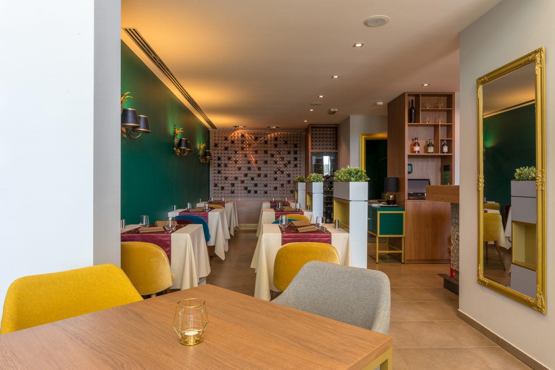 Don't tell mama, Restaurant interior design